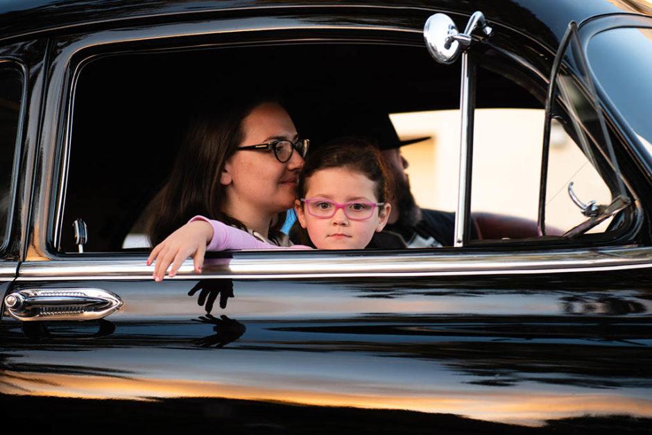 dziecko z rodzicami w samochodzie. choroba lokomocyjna po ciąży
